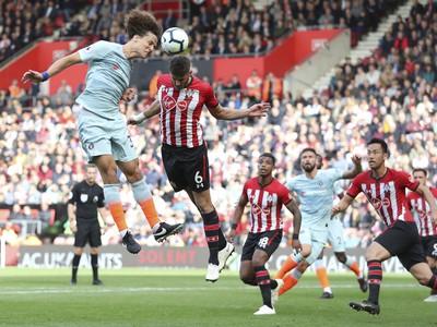 David Luiz v hlavičkovom