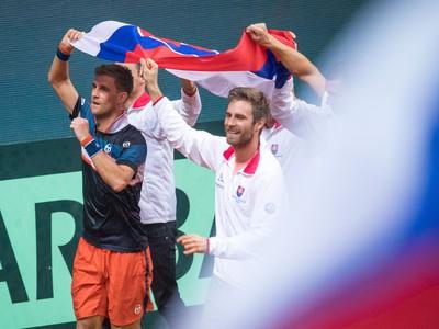 Slováci oslavujú výhru nad Bieloruskom