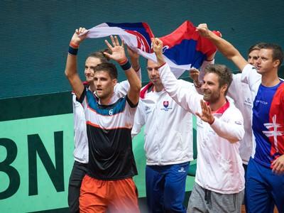 Slováci oslavujú výhru nad