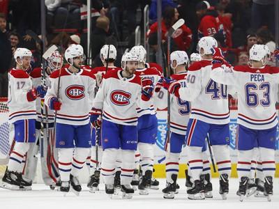 Hráči Montrealu oslavujú víťazstvo