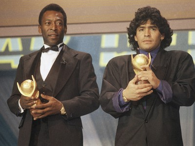 Legendárna dvojica Pelé a Diego Maradona