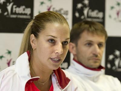 Dominika Cibulková s dlahou
