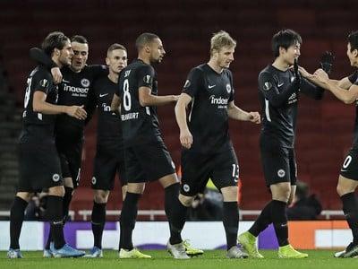 Hráči Eintrachtu a ich
