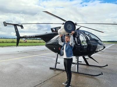 Erik Černák si so Stanleyho pohárom zalietal na vrtuľníku nad Košicami