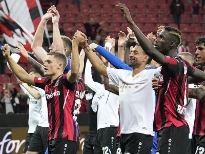 Víťazné oslavy futbalistov Leverkusenu