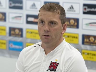 Tréner írskeho tímu Dundalk Vincent Perth
