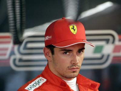 Monacký jazdec F1 Charles Leclerc zo stajne Ferrari