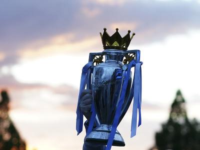 Fanúšikovia Manchestru City oslavovali zisk titulu pred štadiónom