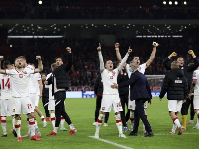 Radosť hráčov Poľska po výhre v Albánsku