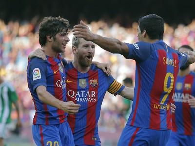 Radosť hráčov Barcelony po