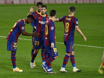 Radosť futbalistov FC Barcelona