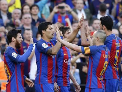 Hráči Barcelony sa radujú