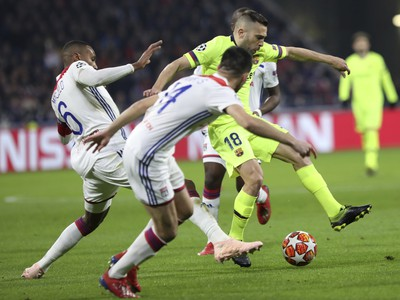 Momentka zo zápasu Lyon - FC Barcelona