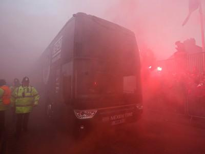 Fanúšikovia Liverpoolu útočili na