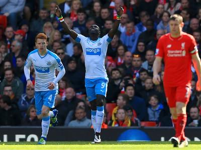 Liverpool doma zahodil náskok