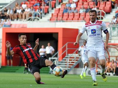 Filip Dangubič FC Spartak Trnava a Peter Kleščík z AS Trenčín