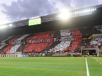 Fanúšikovia Trnavy pred odvetou 2. predkola futbalovej Ligy majstrov FC Spartak Trnava - Legia Varšava
