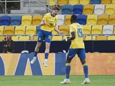 Na snímke vľavo gólová