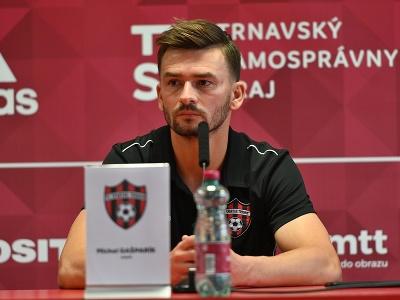 Na snímke tréner Trnavy Michal Gašparík počas tlačovej konferencie