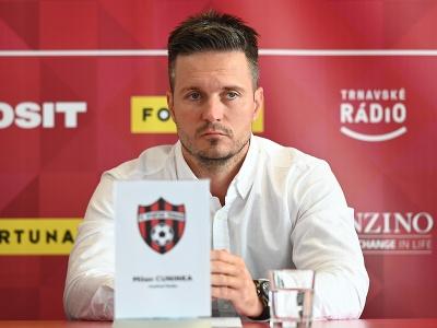 Na snímke riaditeľ Milan