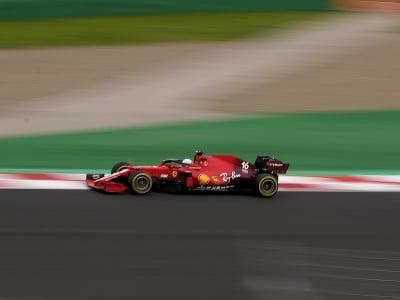 Charles Leclerc na monoposte Ferrari