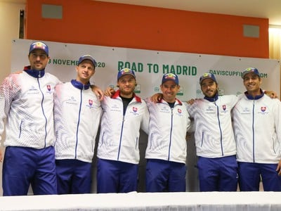 Spoločná fotka slovenského daviscupového tímu