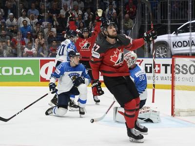 Na snímke Shea Theodore (CAN) sa raduje po strelení gólu vo finálovom zápase Kanada - Fínsko