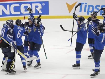 Víťazné oslavy hokejových mladíkov