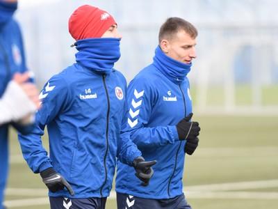 Hráči Senice Martin Košťál a Boris Turčák počas prvého tréningu v zimnej príprave pred štartom jarnej časti Fortuna ligy