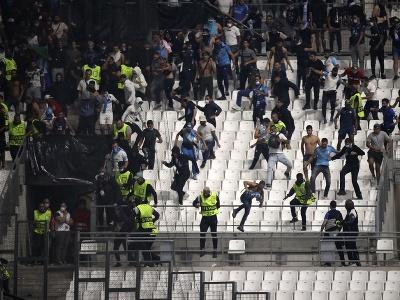 Na snímke fanúšikovia Marseille a Galatasaray Istanbul po zápase E-skupiny 2. kola Európskej ligy Olympique Marseille - Galatasaray Istanbul