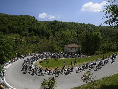 Cyklisti počas 19. etapy Giro d'Italia