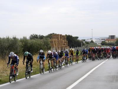 Cyklisti počas 9. etapy