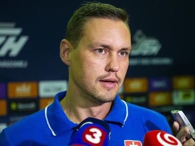 Na snímke tréner reprezentácie SR v hádzanej mužov Peter Kukučka