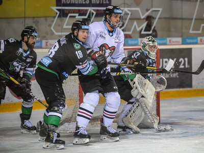 Na snímke sprava Matej Kristín (Nové Zámky), Ján Brejčák (Banská Bystrica), Branislav Pavák, Peter Mikuš (obaja Nové Zámky)