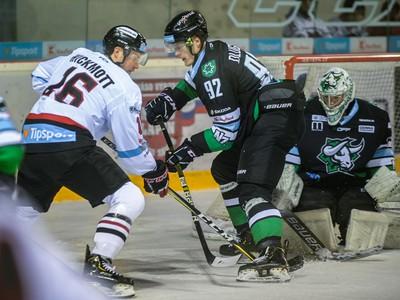 Na snímke zľava Joran Hickmoth (Banská Bystrica), Marcel Dlugoš, Matej Kristín (obaja Nové Zámky)