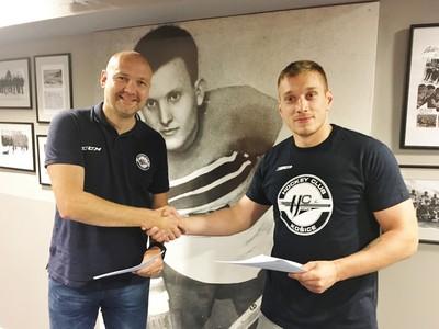 Marcel Haščák podpísal zmluvu