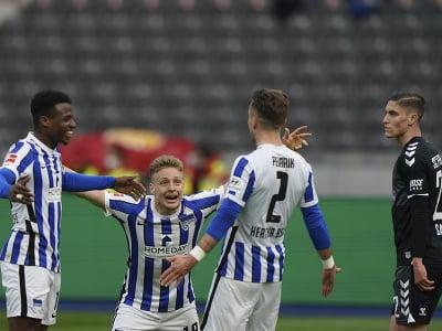 Peter Pekarík oslavuje gól