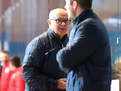 Tréner HK Popradu Peter Mikula