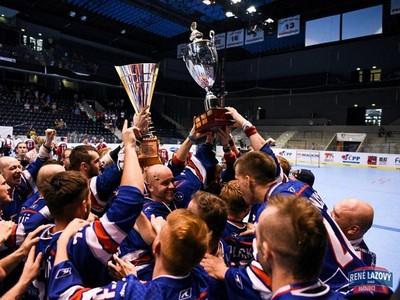 Slovenskí hokejbalisti s majstrovskou