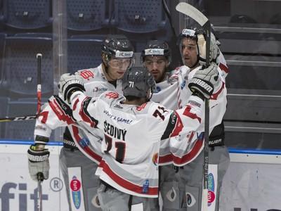 Gólové oslavy hokejistov iClinic