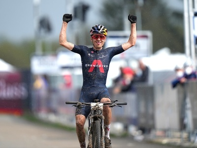 Britský cyklista Tom Pidcock