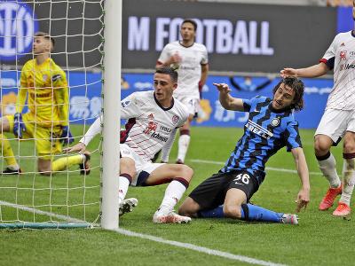 Matteo Darmian strieľa gól