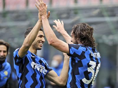 Matteo Darmian oslavuje gól