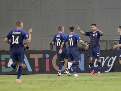 Radosť hráčov po góle