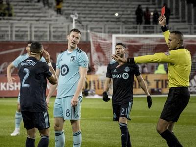 Ján Greguš zápas v Toronte nedohral