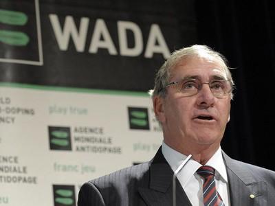 prezident WADA Austrálčan John Fahey,