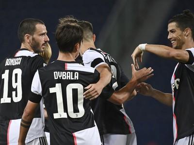 Hráči Juventusu sa tešia