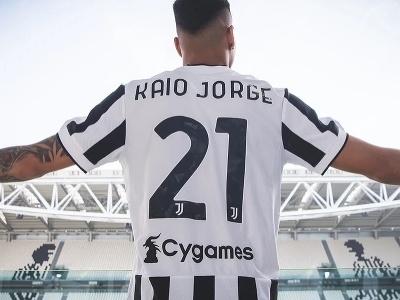 Juventus Turín získal útočníka