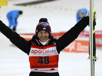 Kamil Stoch oslávil jubilejný
