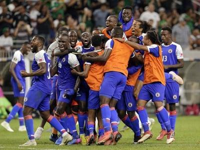 Hráči Haiti oslavujú postup